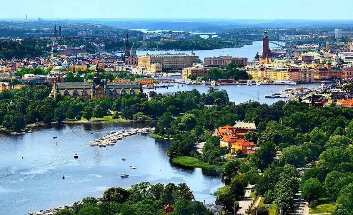 Stockholm med Djurgården i förgrunden - utomhusaktiviteter