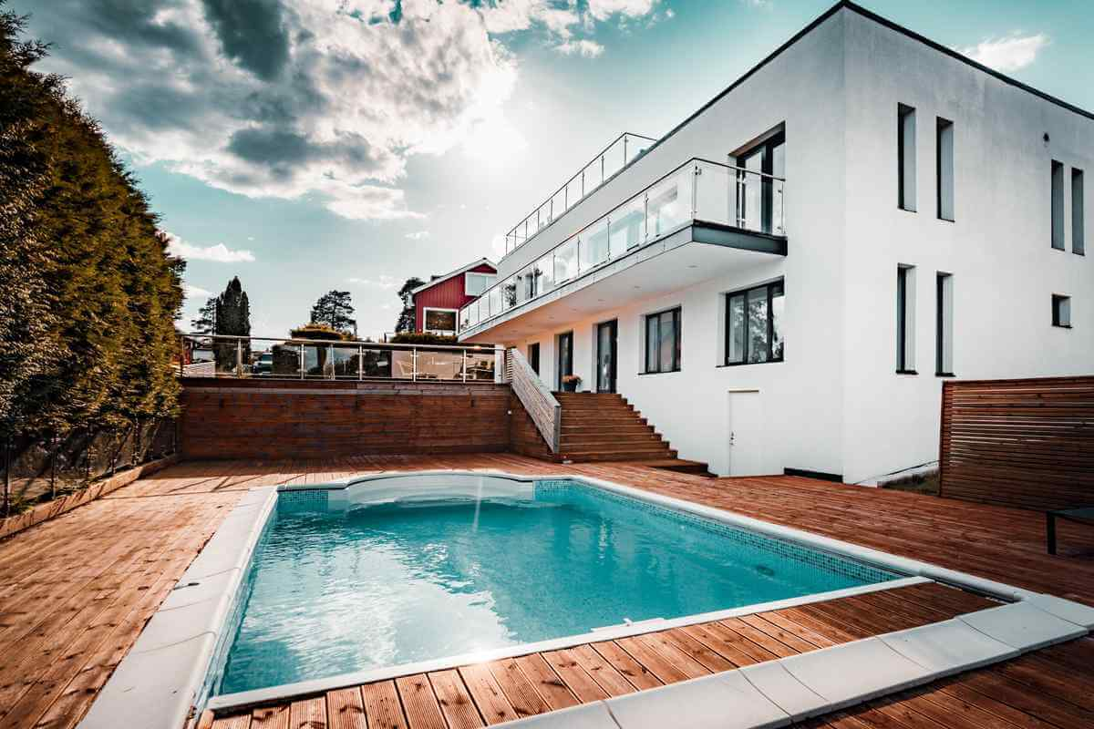 Lyxigt hus med pool i Stockholm